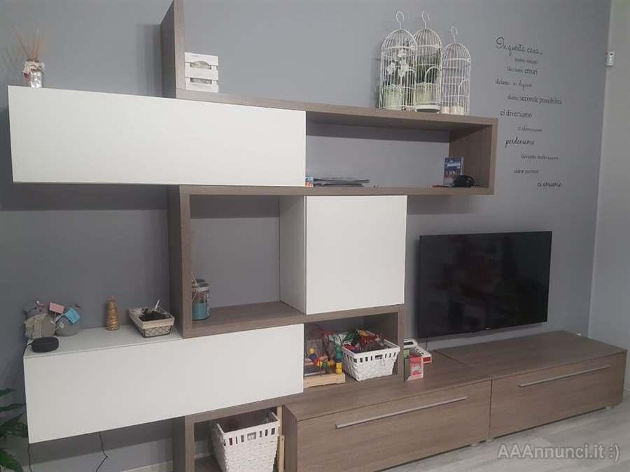 Nel nostro punto vendita potrai trovare la composizione ideale per il tuo soggiorno. Parete Attrezzata Mondo Convenienza In Ottime Condizioni Milano