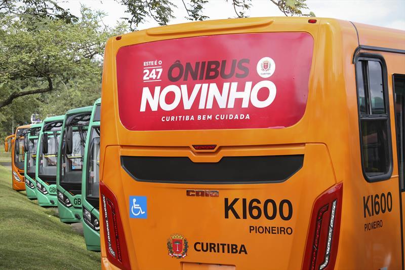 Novos ônibus foram entregues