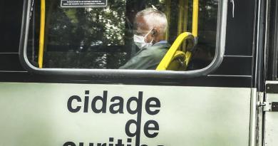Ônibus Máscara