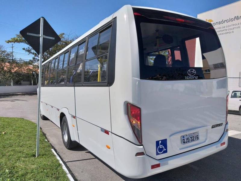 Modelo de ônibus