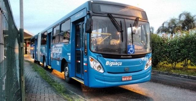 Ônibus em Biguaçu