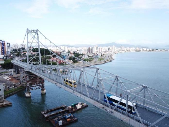Ônibus na Ponte