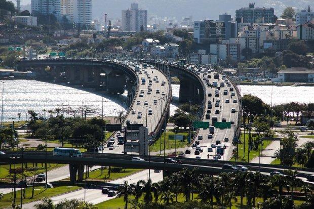 Pontes da capital