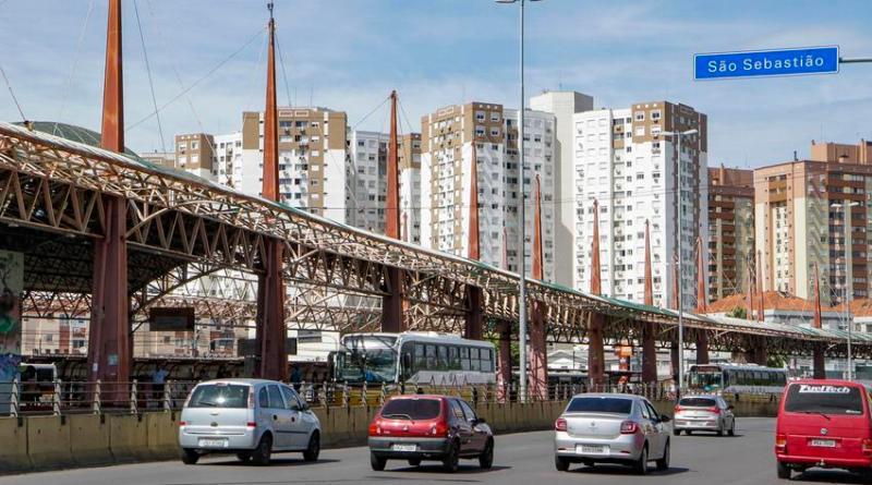 Trânsito na Avenida Assis Brasil