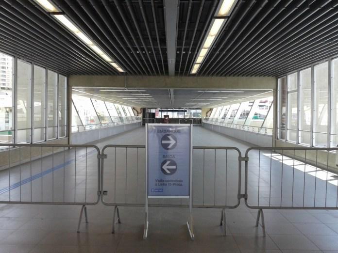 Passarela onde será feita a passagem do monotrilho da Linha 15 Prata  para a Linha 2 Verde
