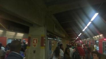 Estação Jardim Belval na sexta-feira (17) á noite. Foto: Sérgio Ferreira