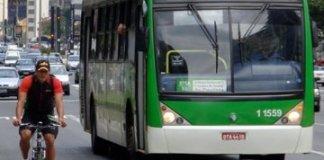 Motoristas de ônibus locais de prova Bicicleta ônibus municipais