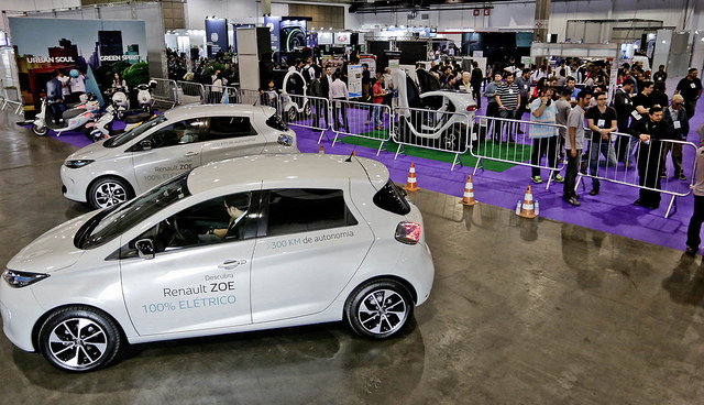 veículo elétrico salão foto
