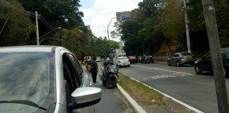 Colisão carro e motocicleta na Avenida Francisco Morato