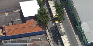 Dois articulados Avenida Amador Bueno da Veiga