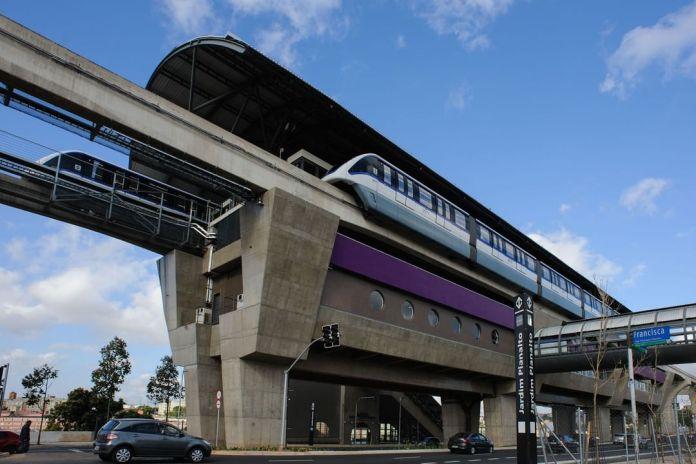 Estação Jardim Planalto Linha 15-Prata