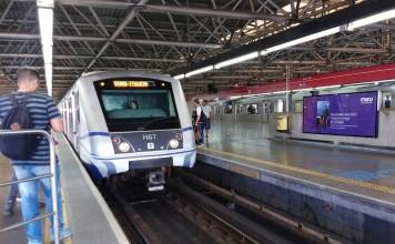 Trem na Linha 3-Vermelha