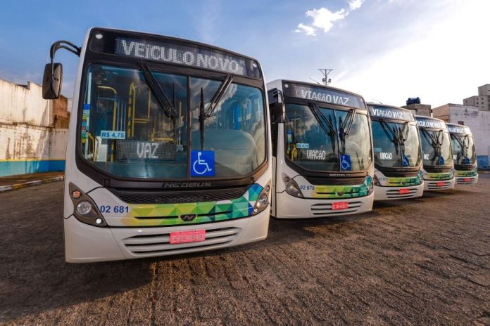 Ônibus Viação Vaz