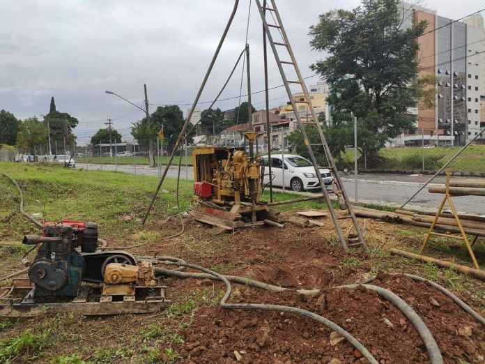 Linha 2-Verde Escavando