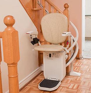 louer-monte-escalier