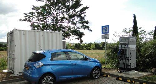 I veicoli elettrici potranno ricaricarsi in autostrada grazie alle batterie di seconda vita