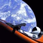 Il Falcon Heavy nello spazio con un carico speciale: la Tesla Roadster