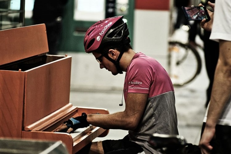 Street piano player
