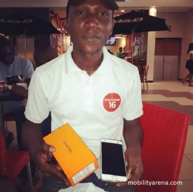 Giveaway Winner, Araoye with his oukitel k6000 plus