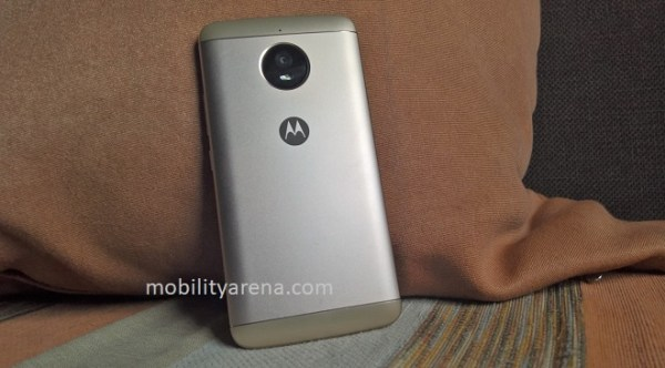 Moto E4 Plus Review Back