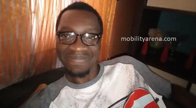Moto E4 Plus review selfie camera flash