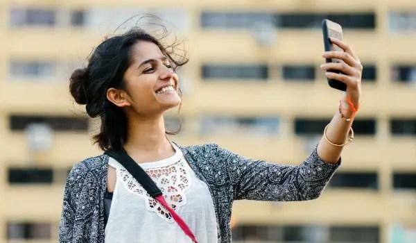 iTel Mobile Bangladesh smartphone market