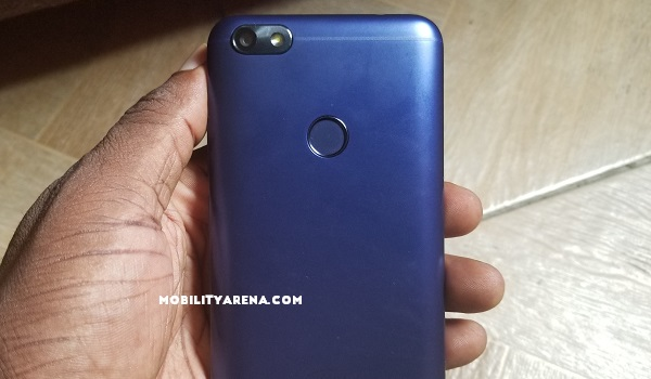 iTel A32F Review rear camera fingerprint scanner