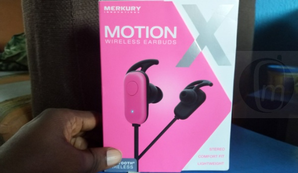 motion x wireless earbuds package sales box