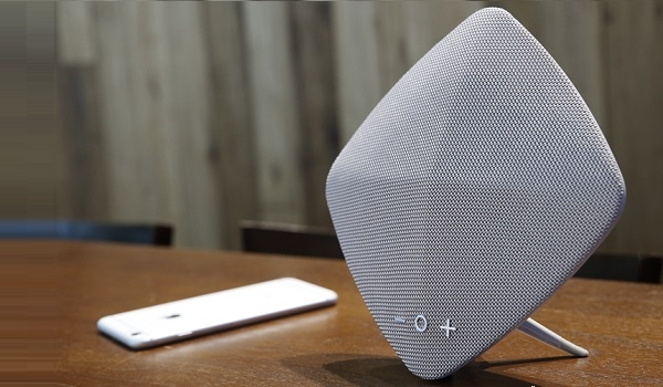 Muse Bluetooth Speaker by Rock Space with phone