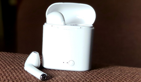 i7s airpods - TWS i7S review open pod