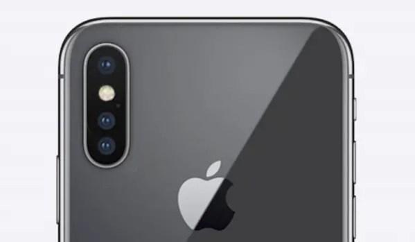Apple iPhone struggles