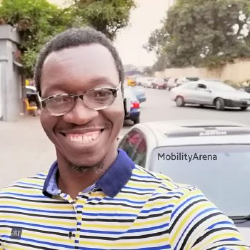 Huawei Nova 3i selfie outdoors