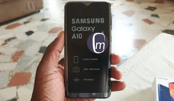 Samsung Galaxy A10 2019 infinity-v display