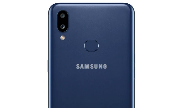 Samsung Galaxy A10s rear camera and fingerprint reader