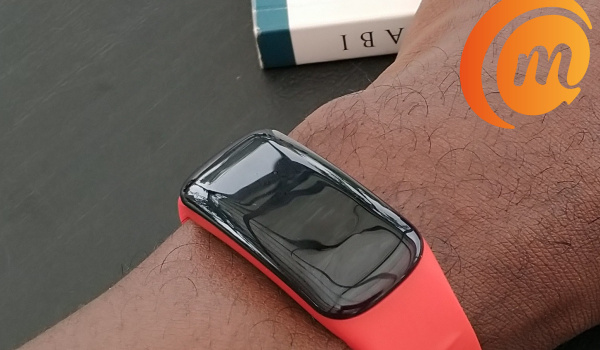 Oraimo Tempo C smart fitband on wrist mobility arena