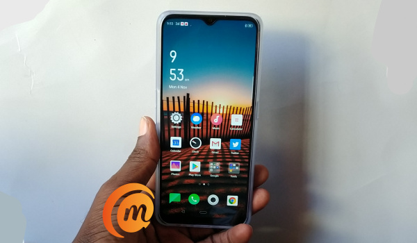 Oppo A9 2020 in hand - review