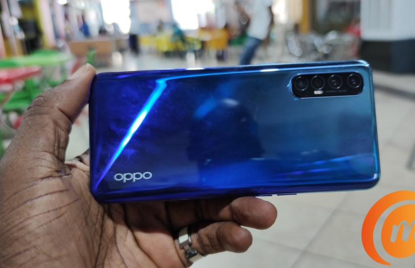 oppo Reno3 Pro review rear side