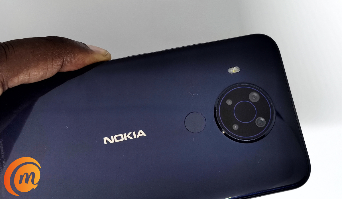 Nokia 5.4 review - glossy back panel