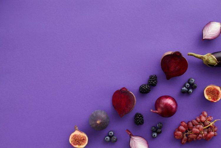 kolor fioletowy logo biznes marketing