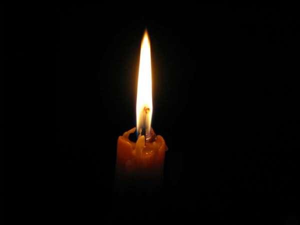 Скачати шпалеру на телефон: Вогонь, Об'єкти, Свічки ...