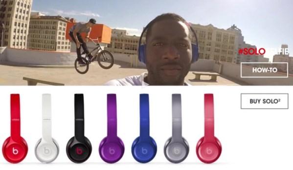 Słuchawki Beats Solo 2  i celebryci w reklamie #SoloSelfie