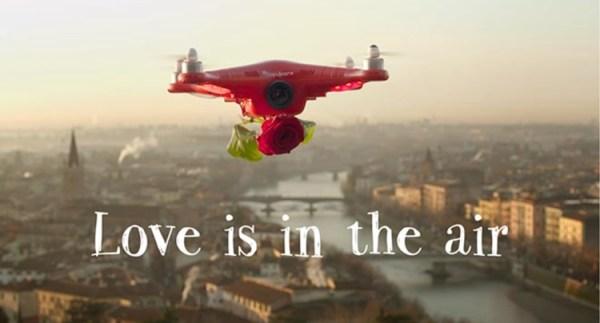 Cupidrone dostarczał róże na Walentynki