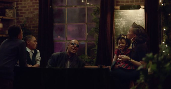 "Reklama Apple'a ""Someday at Christmass"" (Stevie Wonder)"