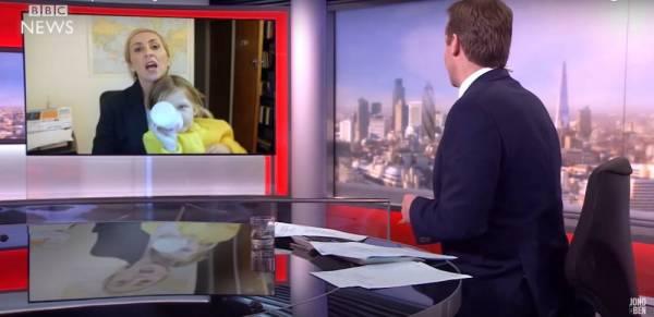 Parodia przerwanego wywiadu BBC z matką w roli głównej