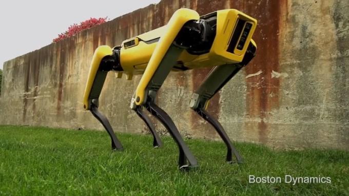 Nowy robot SpotMini od Boston Dynamics (11.2017)