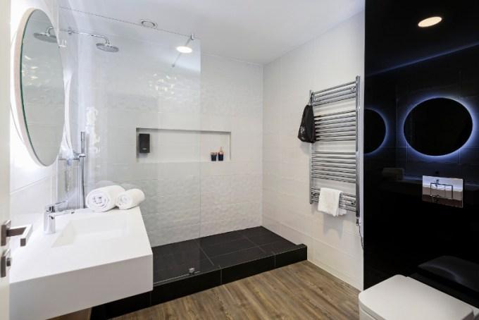 KViHotel - łazienka (zdjęcie)