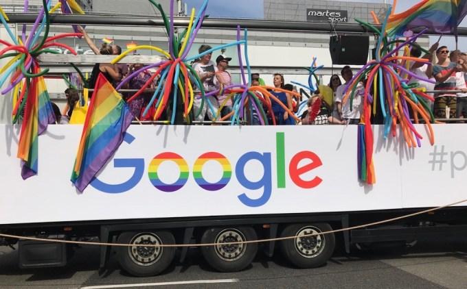 Tęczowe logo Google podczas Parady Równości