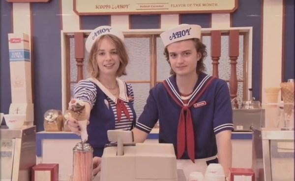 """Zapowiedź 3. sezonu """"Stranger Things"""" w stylu reklamy z lat 80."""