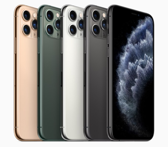 iPhone 11 Pro w czterech kolorach