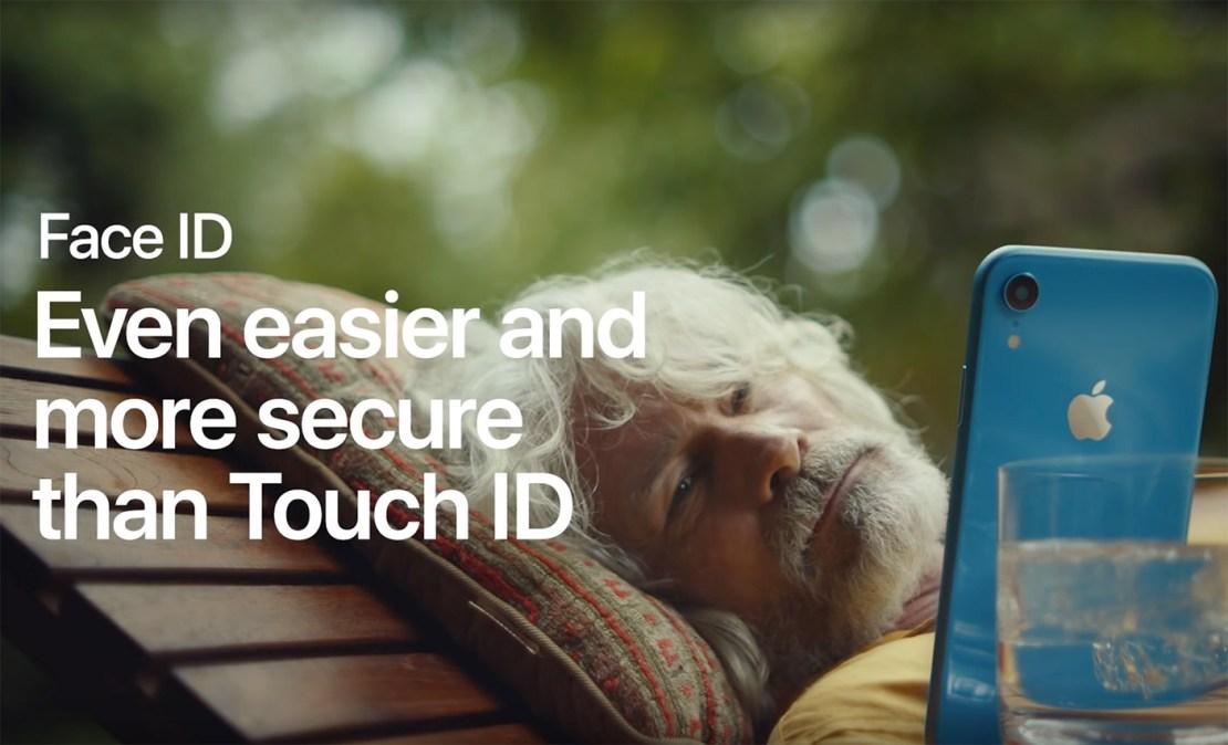 Kadr ze spotu reklamowego Face ID na iPhonie Apple'a